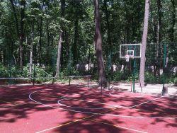 универсальная спортивная площадка с наливным резиновым покрытием